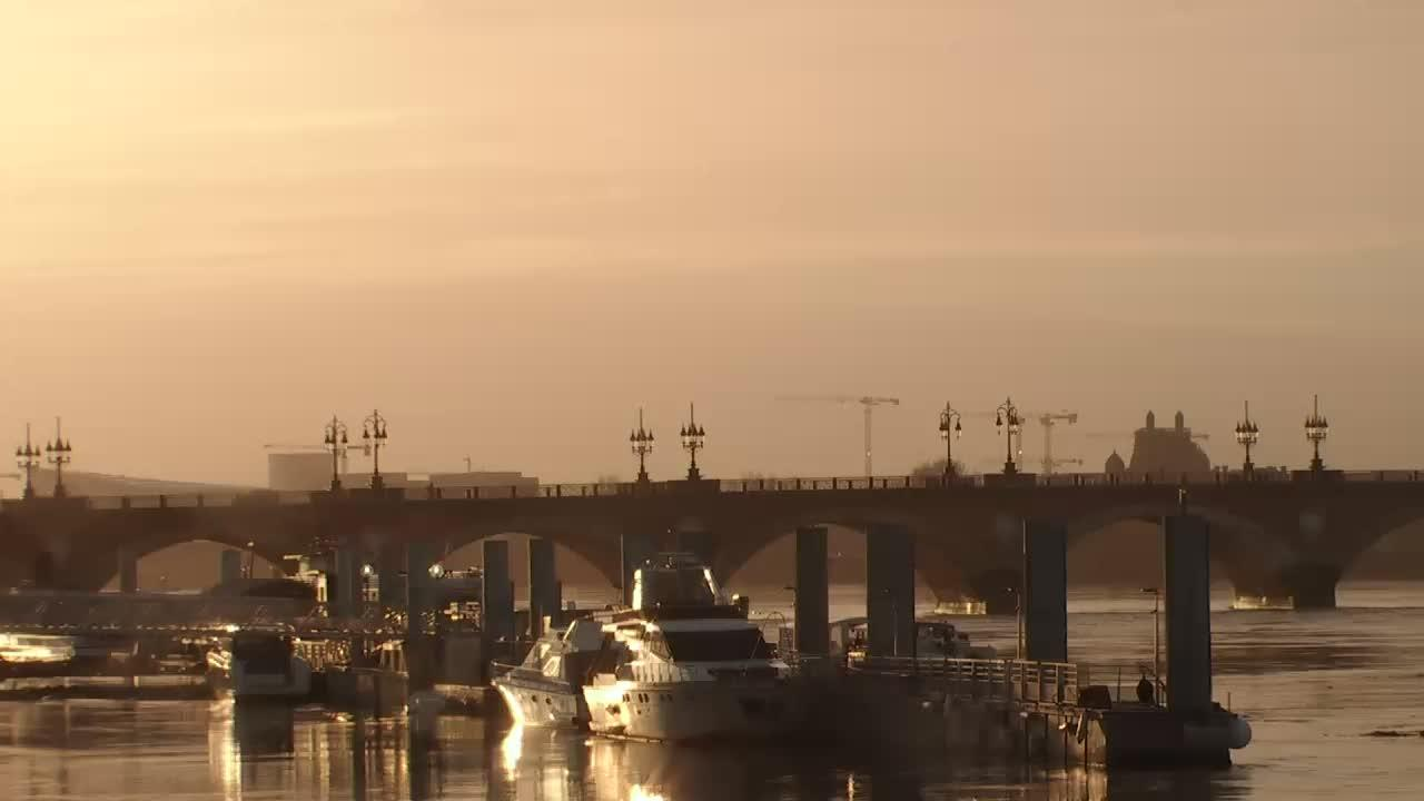 Webcam Bordeaux: Ponton Yves Parlier