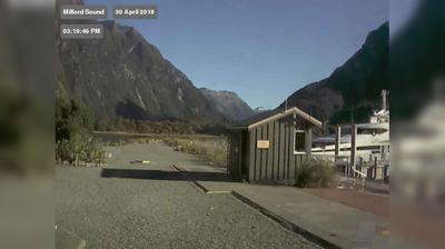 Webcam Milford Sound › West: Milford Sound Airport