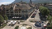 La Roche-sur-Foron: Place de la r�publique - El día
