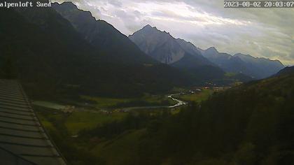 Sins (Sent) › Süd: Alpenloft 4-8 Bett-Ferienwohnung oder Studio mit Bad Ab CHF 532.- die Woche