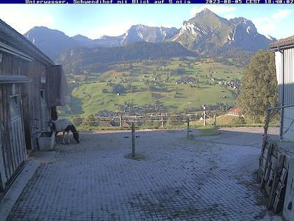 Unterwasser: Wildhaus mit Säntis