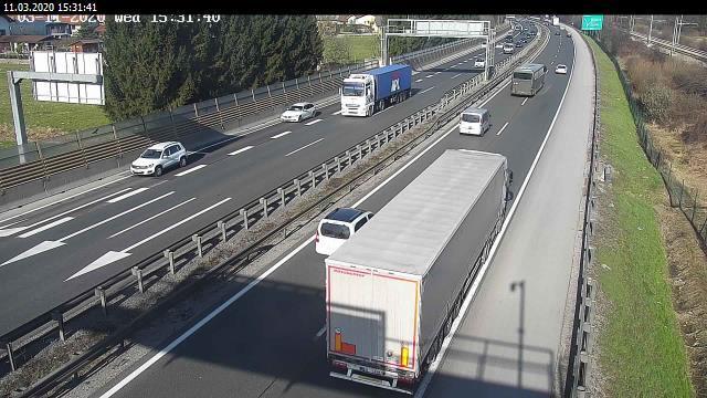 Webcam Podsmreka: A1/E61/E70 Ljubljana − Koper, prikljuce