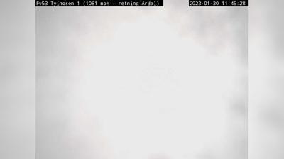 Daylight webcam view from Tyinkrysset: F53 Tyinosen (Retning mot Årdal. 1080 moh)