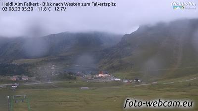 Vista actual o última desde Falkert: Heidi Alm Bergresort − Blick nach Westen zum Falkertspitz