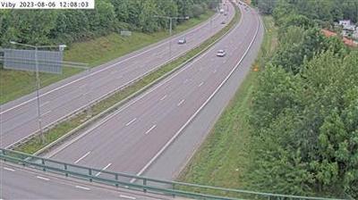 Daylight webcam view from Viby: Kameran är placerad på E4 Uppsalavägen mellan trafikplats Rotebro och trafikplats Hä