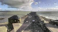 Maesteg: RNLI Porthcawl Lifeboat Station - Porthcawl Pier Fishing High Tide - Overdag