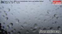 Gemeinde Kirchdorf in Tirol: St. Johann in - Blick zum Kitzb�heler Horn und Wilder Kaiser - Aktuell