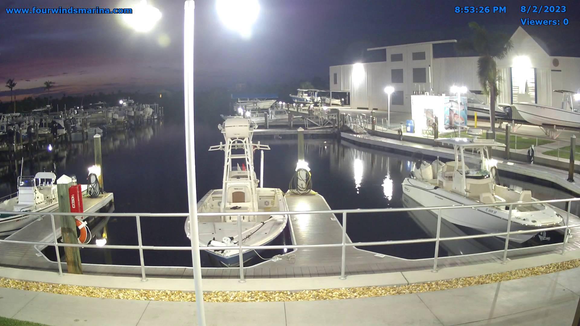 Webcam Bokeelia: Four Winds Marina − Pine Island