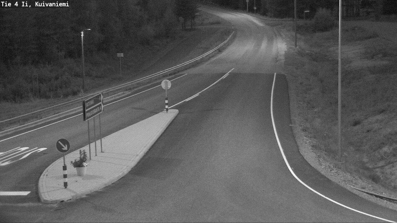 Webcam Pohjois-Ii: Tie 4 Kuivaniemi − Tie 18811 Vatunkiin