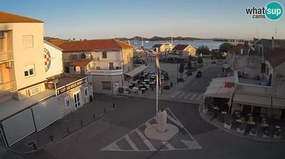 Murter: Center, Cove Hramina