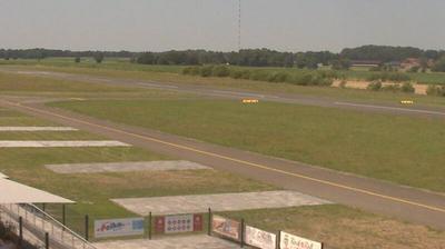 Daylight webcam view from Ganderkesee: Flugplatz Ganderkesee
