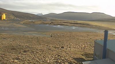 Daylight webcam view from Vatnsoyrar: Vagar Airport