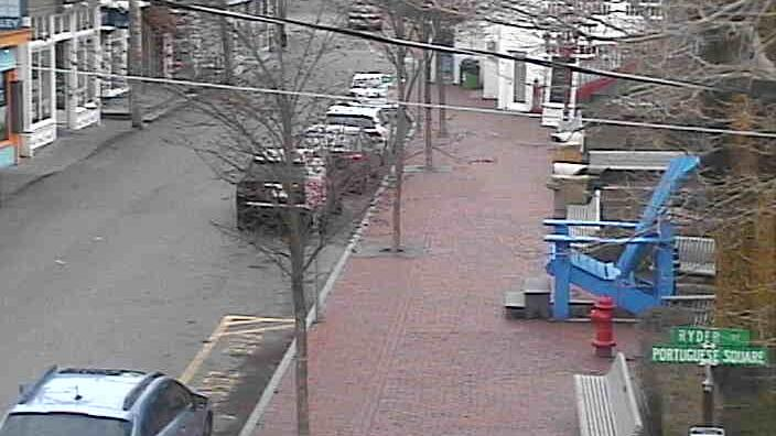 Webcam Provincetown: Town Hall Square