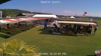 Beromünster › West: Paraclub Beromuenster - Skydive Luzern