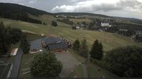 Oberwiesenthal: Blick auf Skihang und Ort - Day time