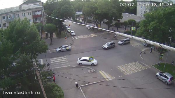 Webkamera Ussuriysk: Некрасова − Пушкина