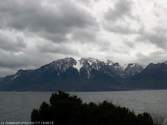 La Tour-de-Peilz: Le Grammont et le Lac Léman vus de Vevey