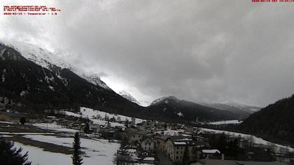 Münstertal: Sta. Maria Val Müstair, vom Dach des Hotel Schweizerhof