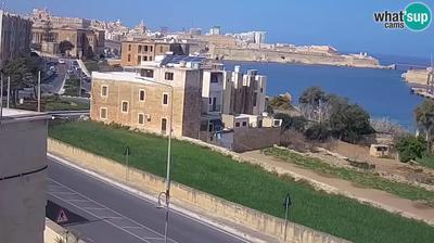Daylight webcam view from Kalkara: Rinella − webcam − entrance to the Grand Harbour, Valletta