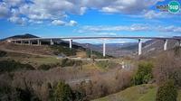 Dernière vue de jour à partir de Koper: Webcam Črni Kal Viaduct view from Viki Burger
