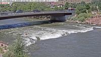 Glenwood Springs: ColoradoWebCam.NetGlenwood Kayak Park Wave Wide View Webcam - River - El día