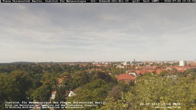 Thumbnail of Berlin webcam at 9:17, Feb 28