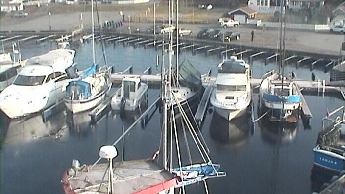 Webcam Larvik: Helgeroa harbour (02)