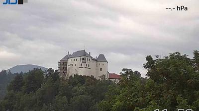 Daylight webcam view from Slovenská Ľupča › North East: Ľupčiansky hrad