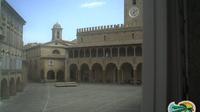 Offida: Piazza del Popolo - Dia