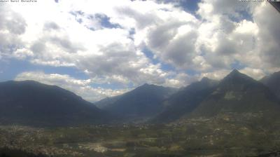 Thumbnail of Merano webcam at 7:16, Apr 10