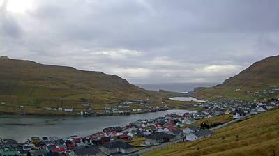 Daylight webcam view from Vágur › South West: Vágsvatn Lake − Vágsfjørður
