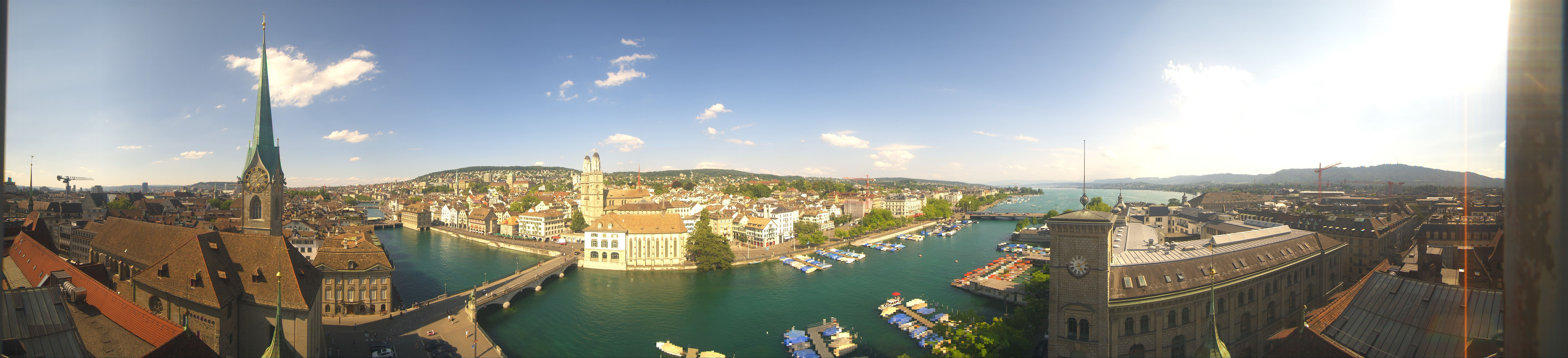 Zürich: Helmhaus - Frauenbad Stadthausquai - barfussbar - Grossmünster - Zurich town hall - Limmat - Zürichsee