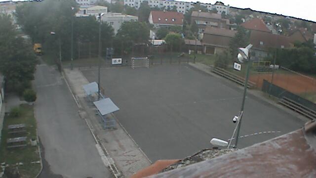 Webcam Bratislava - Vajnory: Vajnory − Hádzanárske ihrisk
