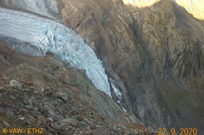 Innertkirchen: Triftgletscher Trifthütte
