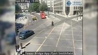 London: Tower Bridge App./East Smithfield - Jour