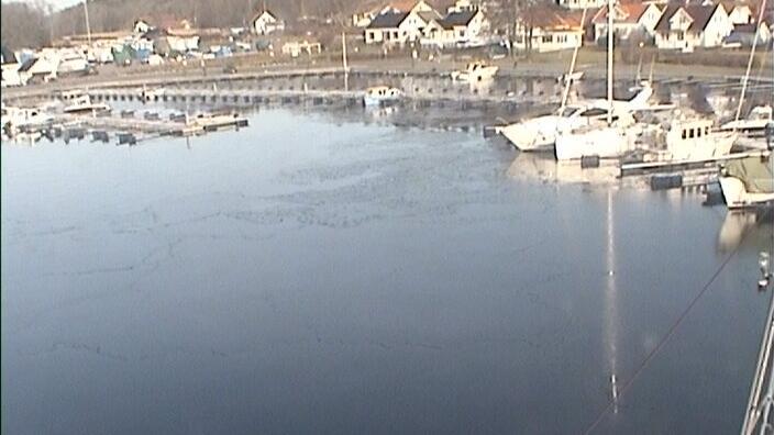 Webcam Larvik: Helgeroa harbour (04)