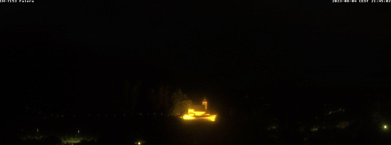 Falera › Süd: Fellers - Graubünden - Valsertal und Kirche St. Remigius im Vordergrund