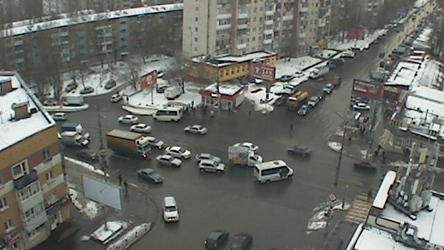 Webcam Saratov: Вид на пересечение Навашина и Танкистов