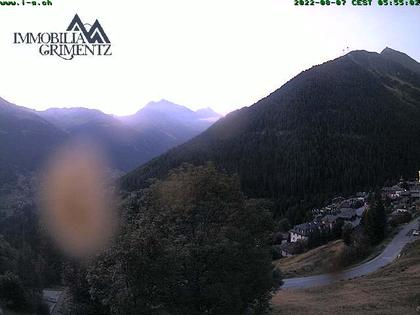Grimentz: view over the valley of Anniviers