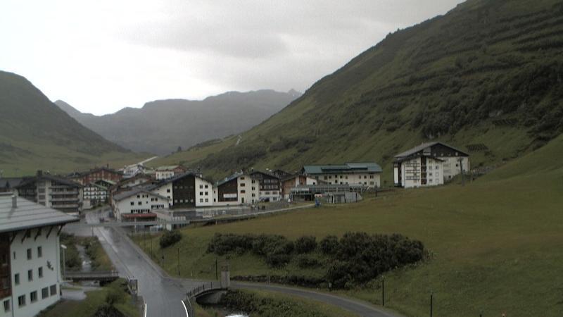 Webcam Zürs am Arlberg: Zürs − in Richtung Süden (im Hint