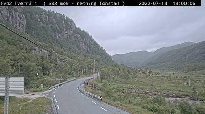 Daylight webcam view from Eikjelandsdalen: F42: Tverrå 1 (382 m.o.h. Retning Helleland)
