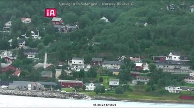 Daylight webcam view from Sjøvegan: Salangen − towards