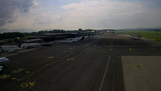 Webcam Voglje: Letalisce Brnik