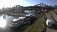 Stuttgart: Neckarbrücke - Overdag