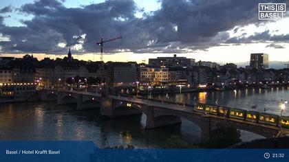 Basel: Mittlere Brücke - Martinskirche - Rhine Promenade - Pfalz - Basel Minster - Peterskirche - Wettsteinbrücke - Universität Basel - Spalentor