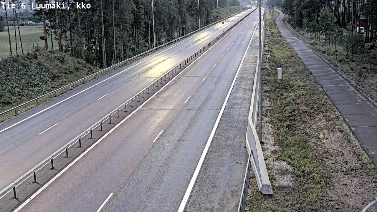 Webcam Luumäki: Tie 6 − kirkko − Kouvolaan