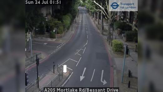 Webcam Acton: A205 Mortlake Rd/Bessant Drive