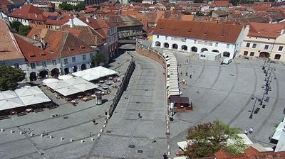 Vista de cámara web de luz diurna desde Sibiu: Piata Mare webcam