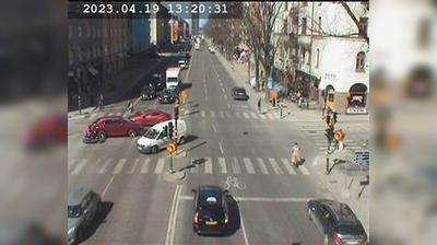 Stockholm: Sveavägen norrut (Kameran är placerad på Sveavägen i höjd med Odengatan och är riktad mot Sveaplan)