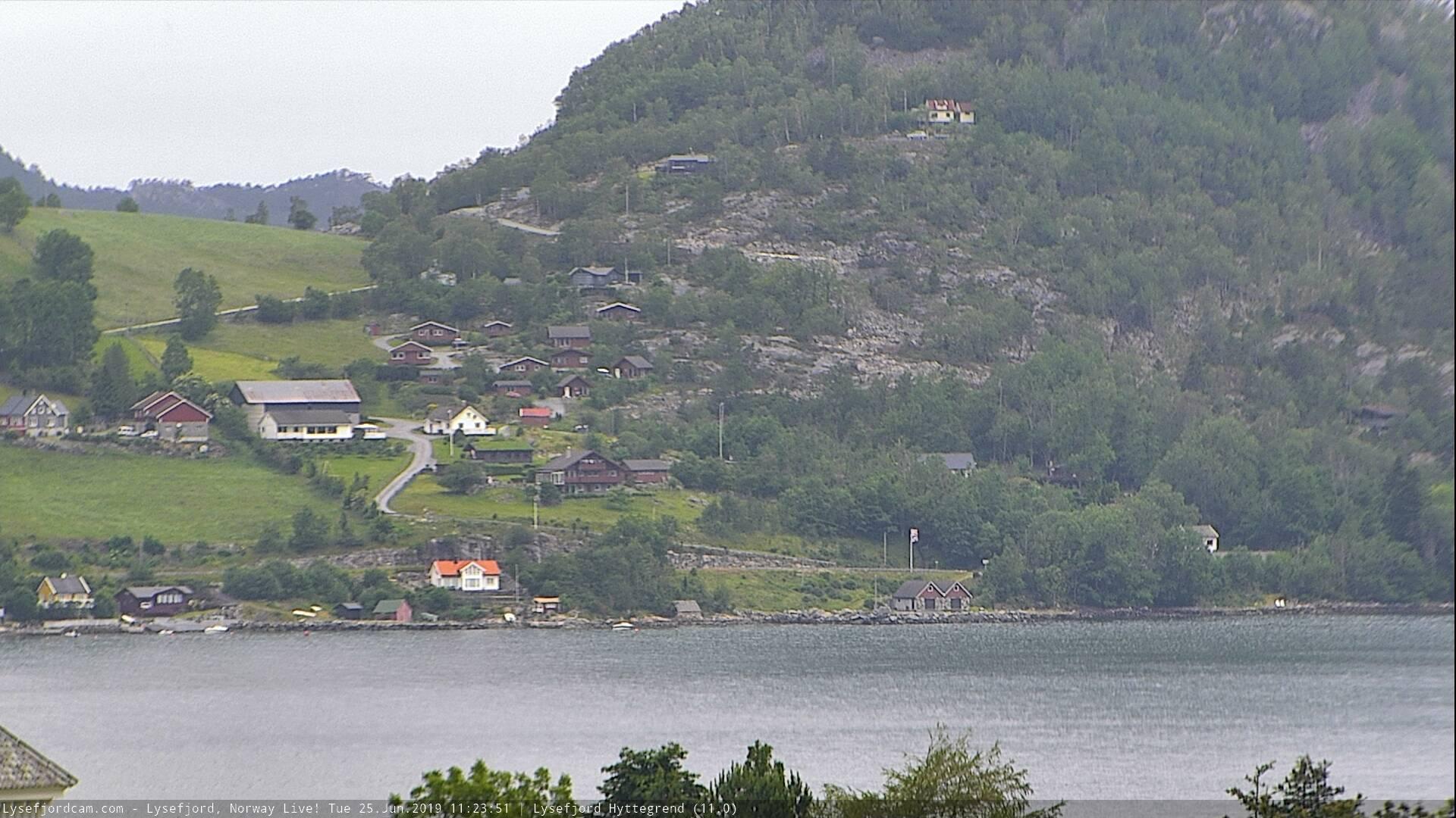 Webkamera Høllesli › North-West: Lysefjord Hyttegrend
